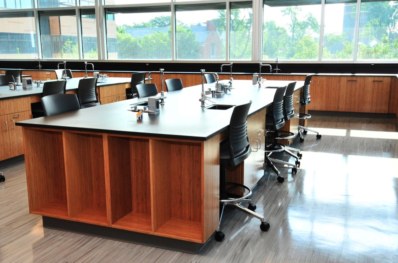 educational science laboratory furniture in classroom